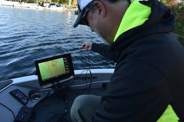 Garmin Nautix: Hands-Free In-View Sunglasses Display for Boating Data